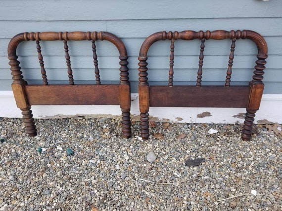 Phenomenal Available Antique Spool Spindle Toddler Bed Jenny Lind Kids Headboard Footboard Bench Ocoug Best Dining Table And Chair Ideas Images Ocougorg