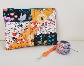 Pouch PDF Sewing Pattern Demi pouch, SVG file, colouring page, zip pouch, cosmetic pouch, quilted pouch