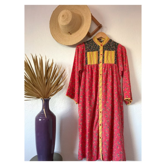 Vintage 1970's Calico Floral Patchwork House Dress