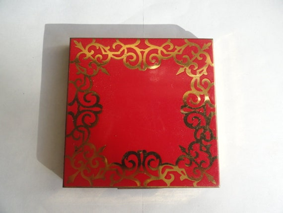 Elgin American Red Enameled Decorative Powder Compact made in the USA