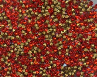 451066 *** 60 vintage rhinestones point back 2mm, HYACINTH