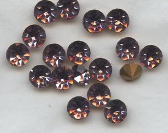 451124 *** 9 vintage rhinestones point back 6,1mm LIGHT AMETHYST