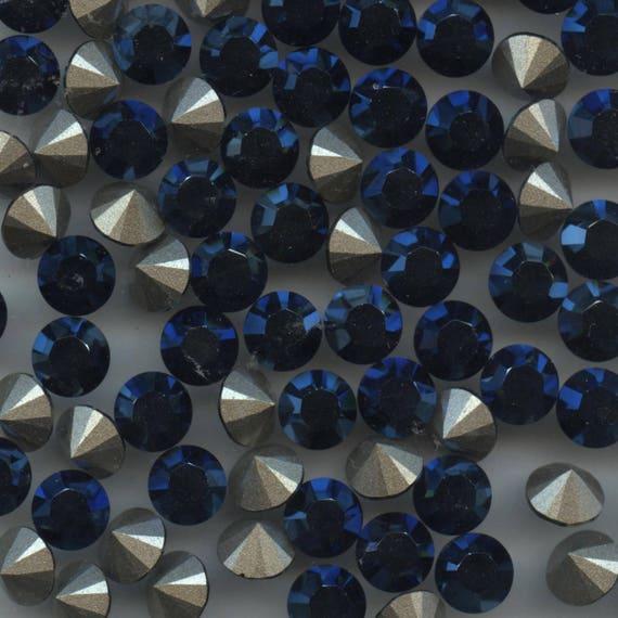 1028 PP11 HY *** 50 Swarovski rhinestones point back PP11 hyacinth f 1.75mm