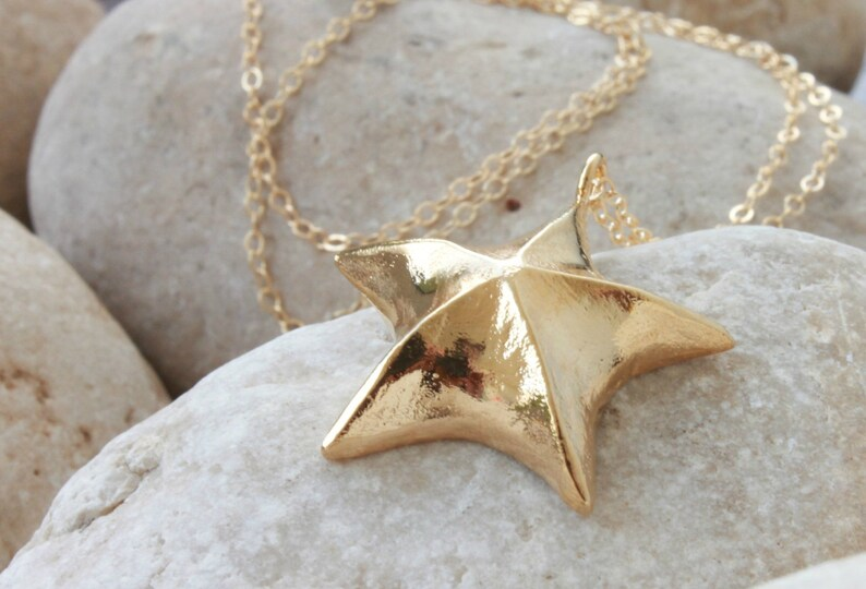 Star Necklace Delicate Gold Jewelry Customized Jewelry Green Enamel Necklace Dark Green Delicate Gold Necklace Golden Necklace