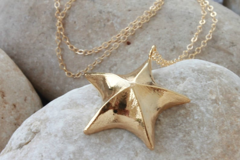 Delicate Gold Jewelry Green Enamel Necklace Dark Green Delicate Gold Necklace Star Necklace Golden Necklace Customized Jewelry