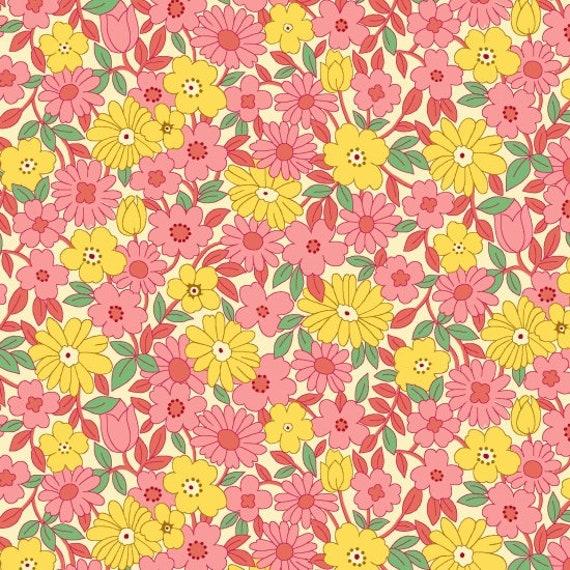 Nana Mae II Large Daisy Fabric By Henry Glass & Co