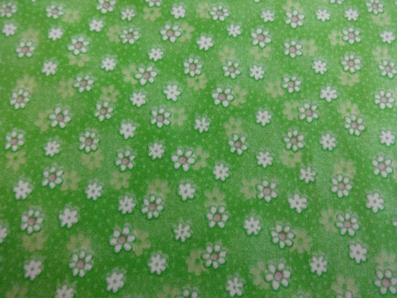 Green w/Daisies Baby Coordinates Fabric 128