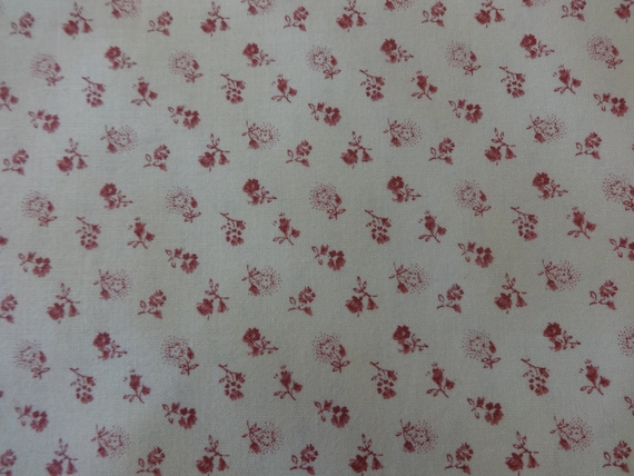 Beige w/Small Red Flowers Fabric 335