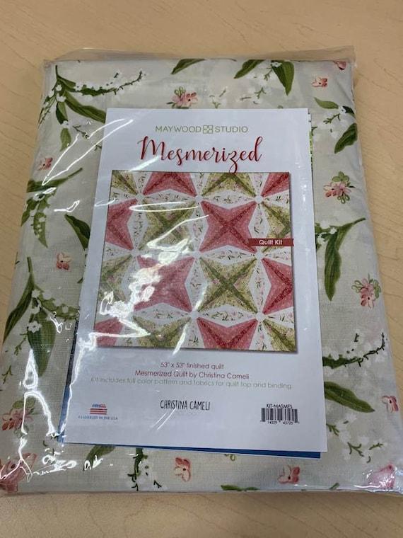 Maywood Studio Mesmerized Quilt Kit