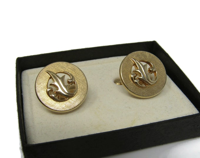 Modernist Leaf Design Men's Cufflinks: Vintage Gold Tone - Stand Out from the Crowd with Class