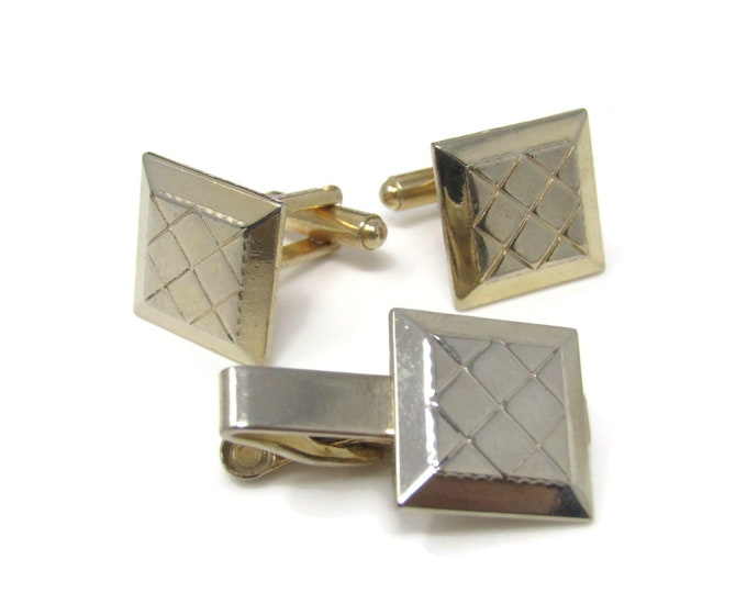 Crossed Lines Quilt Design Men's Jewelry Set Cufflinks Tie Bar Clip: Vintage Gold Tone - Stand Out from the Crowd with Class