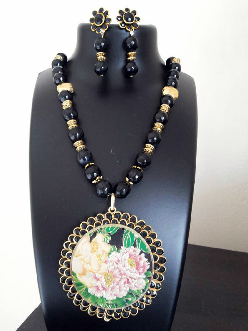 Black Pacchi Work Pendant with 10mm Black Agates Indian Necklace and Indian Earrings Jewelry Set Pacchi Kari Work Indian Jewellery Handmade