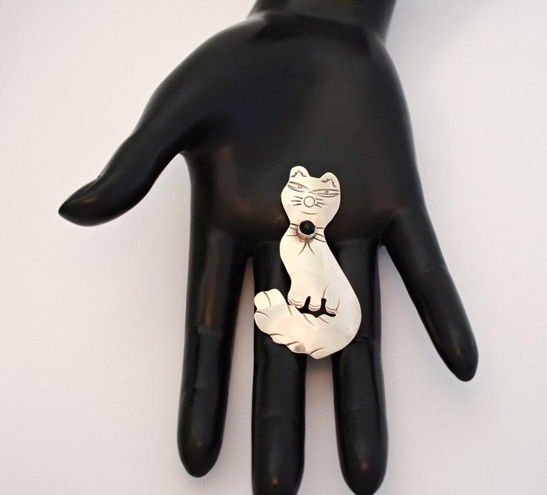 big funky 925 silver onyx collared smug fluffy feline mid-century pin Unusual 50/'s sterling onyx Modernist smirking cat brooch