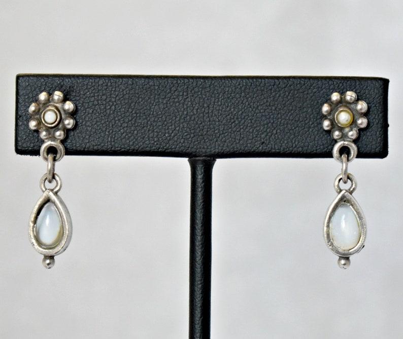 *PA 925 silver teardrop gemstone pearl flowers boho earrings Lovely 80/'s sterling blue flash moonstone seed pearl floral hippie dangles