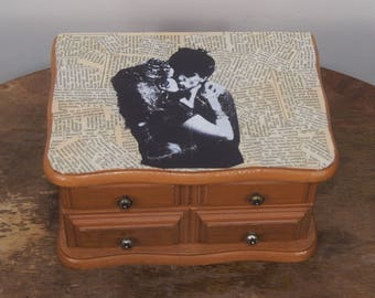 Poison Ivy and Lux Interior of The Cramps Jewelry Box