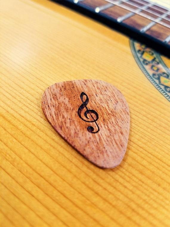 Clave De Sol Guitarra Pick Música Grabada Personalizada Personalizada Símbolo Plectro Laser Madera Quemada Música Nota Guitarra Pick Musical