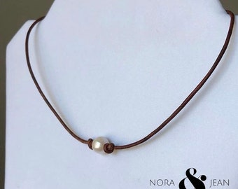 Leather and Pearl Purity Necklace