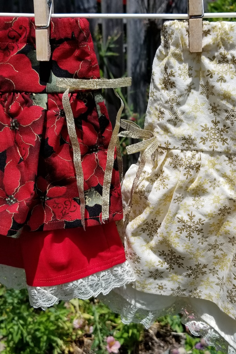 Girl/'s Christmas Ruffle Skirt in Red Poinsettias 3T or Gold Snowflakes 5 years