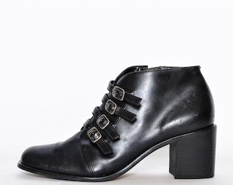 8aeeb344bc19 BLACK ANKLE BOOTS 8 90s leather vintage buckle straps Chunky low heels  gothic stacked heel booties Teen Witch punk goth side zipper