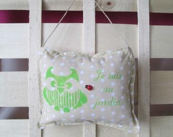 """OWL"" door beige striped cushion"