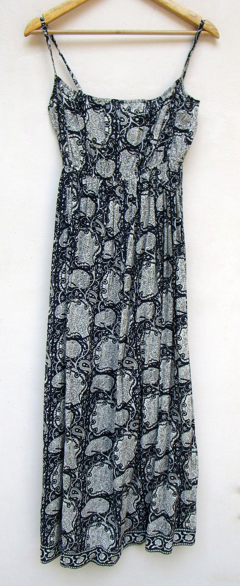 sleeve less maxi dress beach boho dress cocktail wear navy blue paisley printed strap long maxi dress