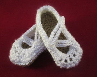 Winter White Criss Cross Handmade Crocheted 6-12 Month Old Baby Mary Jane Shoes/ Christmas Gift/ Baby Mary Jane Shoes /Christening Shoes