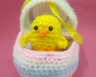 Handmade Crocheted Fillable Easter Egg with Amigurumi Baby Chick Toy/Easter Party Favor/EasterCandy Holder