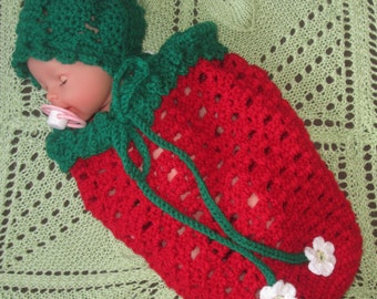 Sweet Summer Strawberry Cocoon with Matching Hat/Newborn Photo Prop/ Strawberry Baby Costume/ Baby Strawberry Outfit/ Strawberry Baby Hat