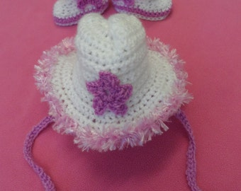 Handmade Crocheted Baby's Pink Fluffy Trimmed Cowgirl Hat and Boots Set/Baby Girl's Christmas Gift/Baby Cowgirl Accessory Set/Baby Cowgirl