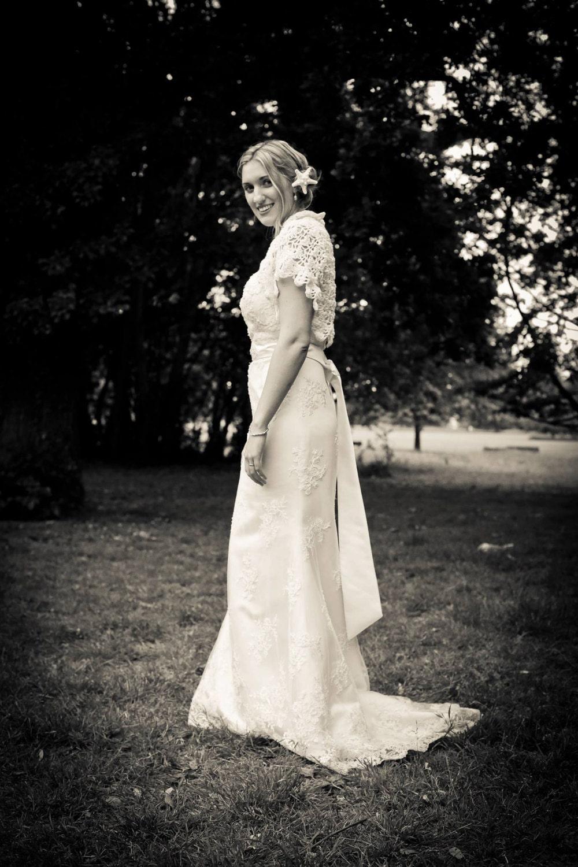Handmade Crocheted Women's Bridal Shrug/ Wedding Shawl/ Wedding Shrug/ Wedding  Accessories/ Bridal Shawl/ Bride-to-be / White Shrug