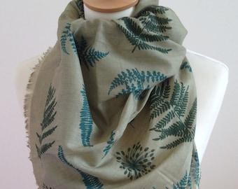 Green fern scarf - fern print - green fern wrap - fern shawl - botanical scarf - in 100% cotton