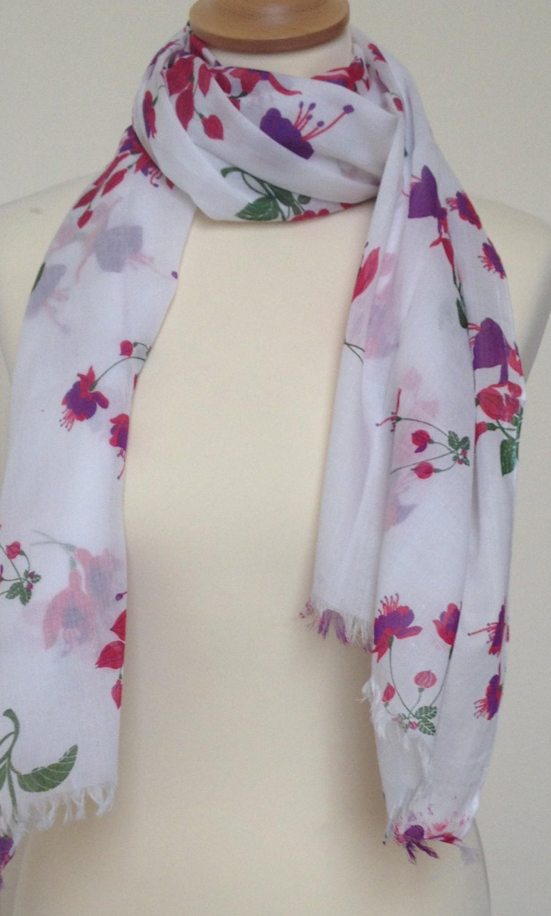 RED POPPY PRINT SCARF IN 100/% COTTON bY JUNIPER