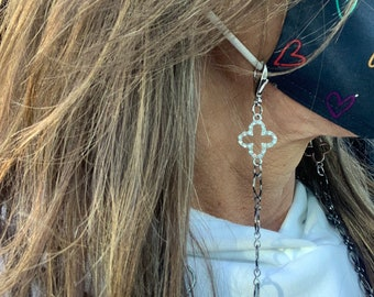 Face Mask Chain Gunmetal Round Link & Pave Quatrefoil Convertible Necklace Eyeglass Holder