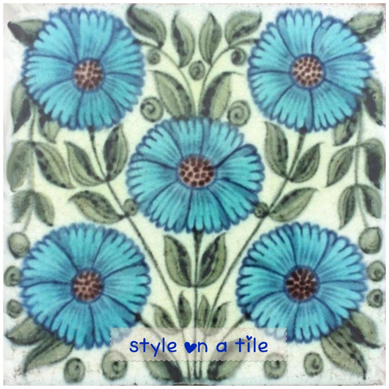 Lovely William De Morgan Light Blue Daisy 6/152mm | Etsy