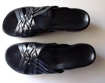 ebbb00e52766 Summer Sandals are Black Leather Sandals by Clarks are Size 8 Clarks Sandals  are Black Leather Sandals