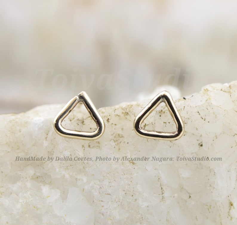 Minimalist earrings Gold earring Stud Geometric Jewelry Triangle Earrings gold triangle earrings 14k Gold Studs Triangle Studs triangle