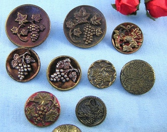 GRAPE//FLORAL MOTIF COLLECTOR CLOTHING BUTTONS
