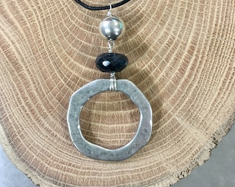 Black Labradorite and Silver Circle Necklace