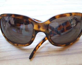 0ef5d5e952a9 Vintage Rare Designer Dolce   Gabbana Sunglasses with DG logo on the frame  made in Italy