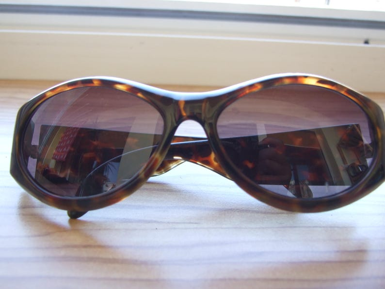 d7a7cb013299 Nicoletta Bucci Sunglasses Tortoise Sunglasses Vintage