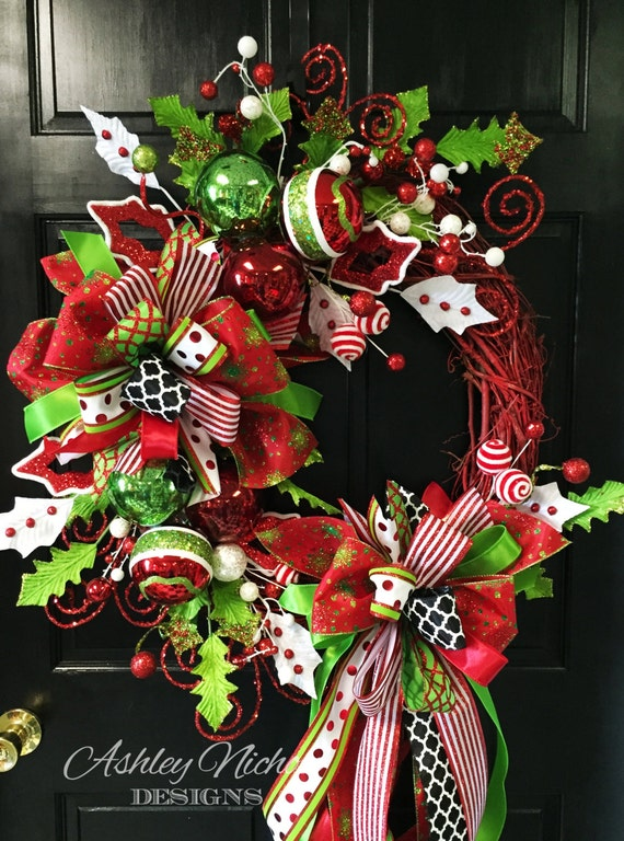 Red Whimsical Round Christmas Wreath, Christmas, Door Decor