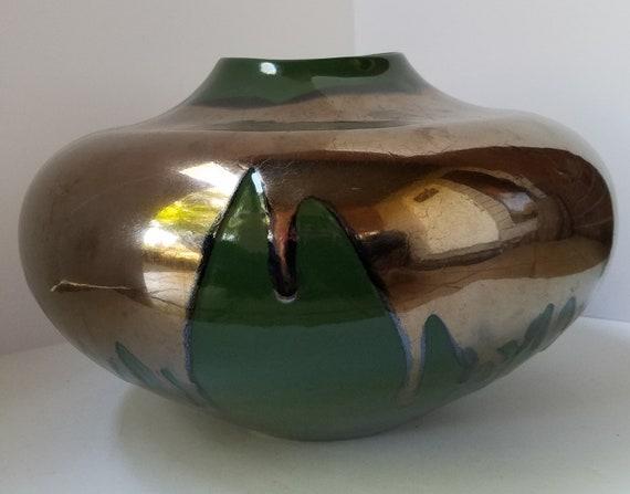Slender Neck and Flared Rim Tall Slender Bulb Style Green Haeger Pottery Vase with Indented Banded Detail
