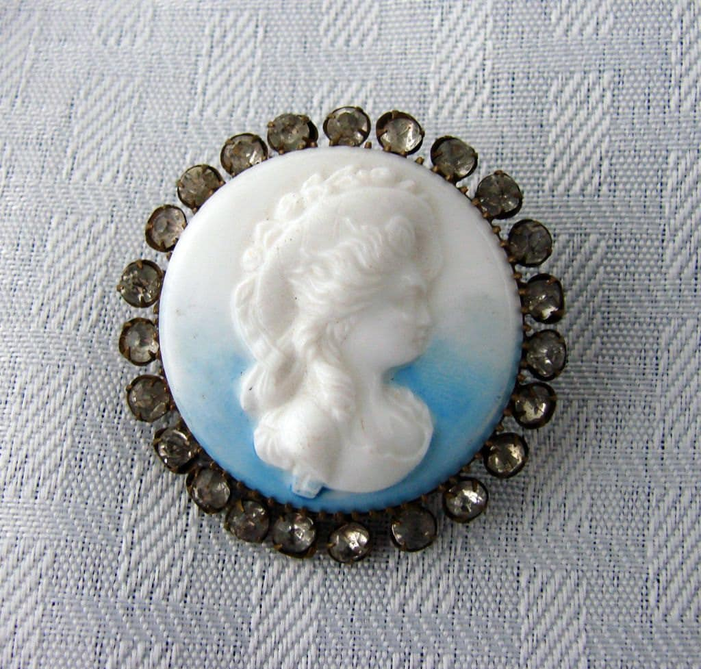 Custom Cameo Resin Pins Diy: Vintage Cameo Brooch Hand Carved Mother Of Pearl With