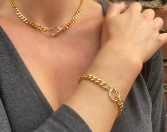 Chunky Curb Chain Necklace with Toggle Clasp