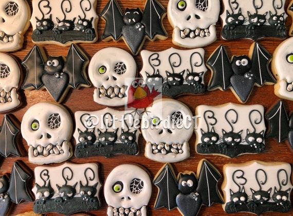 Decorated Halloween Cookies * Halloween Sugar Cookies * Halloween Favors  *Cookies For Halloween *Spooky *Skull Cookies *Halloween