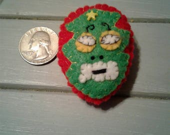 Xmas tree Luchador felt pin (can be made in the colors you choose)