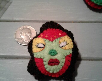 Luchadora felt pin (can be made in the colors you choose)
