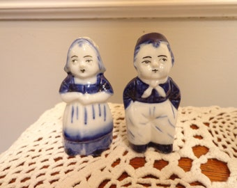 Vintage Dutch Delft Boy And Girl Novelty Salt & Pepper Set Delft Pottery & Glass