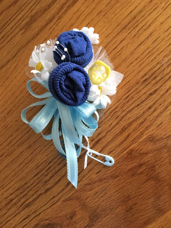 Baby Shower Corsage Blue Baby Socks /& Blue Ribbons Handmade