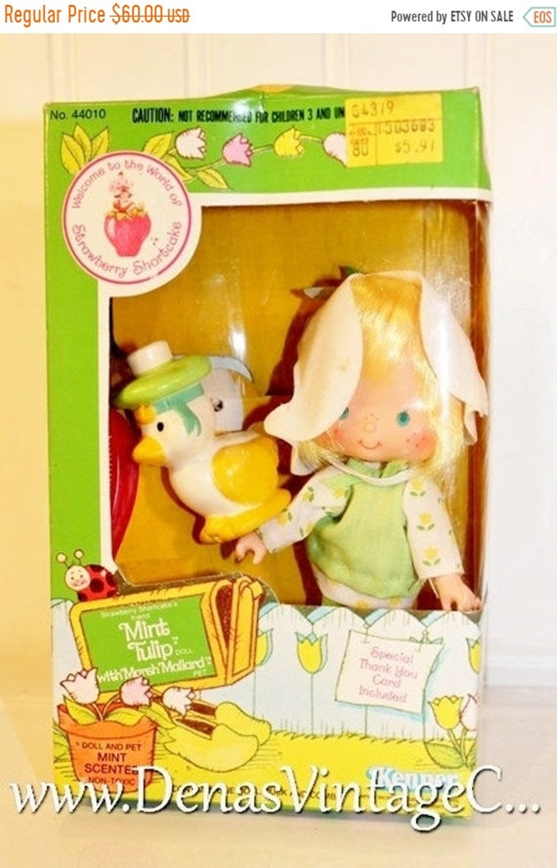 STRAWBERRY SHORTCAKE DOLL  VINTAGE//NEW  TIN 3 SEALED JEWELRY  KENNER 80/'S MT